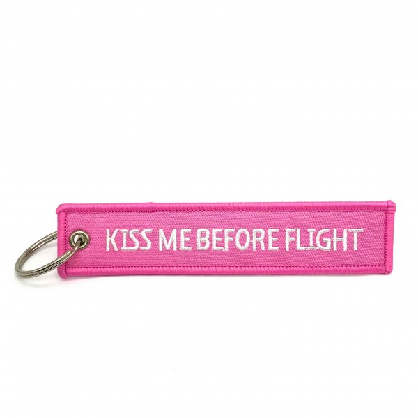 Keychain Kiss Me Before Flight Pink