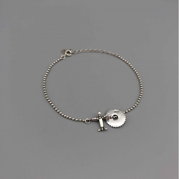 Silver Bracelet Gear