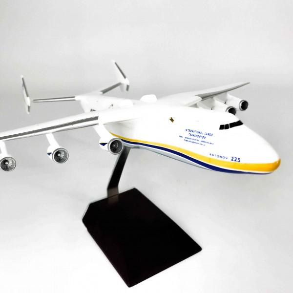 """An-225 """"Mriya"""" Handmade 1:250"""