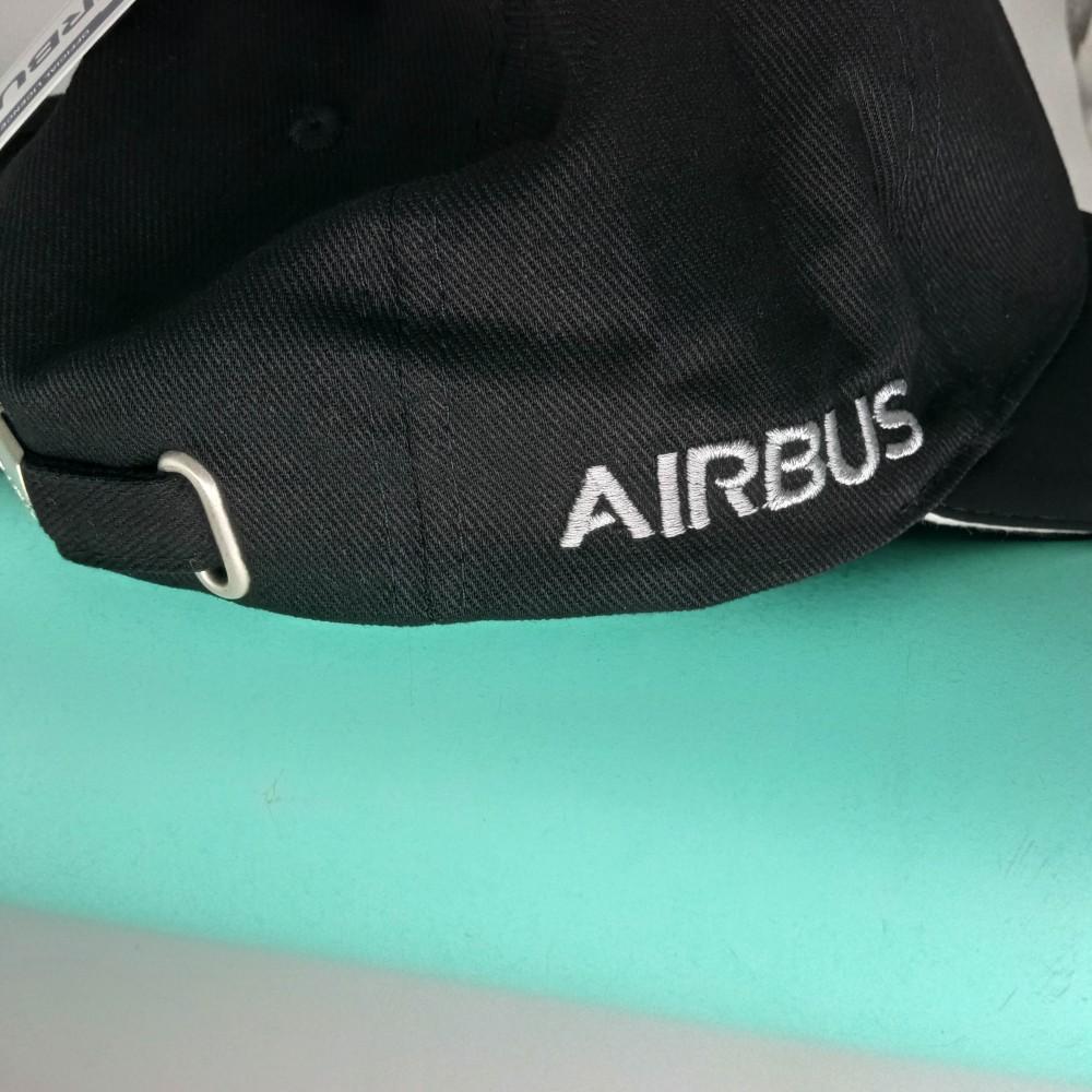 Cap Airbus Black Classic