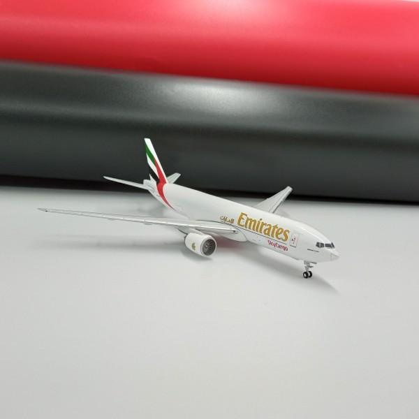 Boeing 777F Emirates SkyCargo 1:400