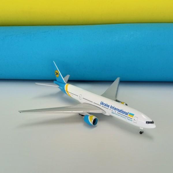 Boeing 777-200 UIA 1:500