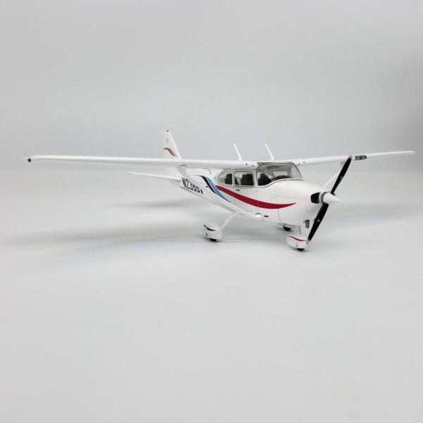Cessna 172 Skyhawk White 1:72